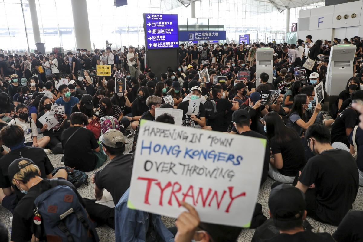 #HongKongAirport It's tyranny/re-education camps/elitism vs freedom/self government/equality.  GO FREEDOM <br>http://pic.twitter.com/0F1Lb19KCX