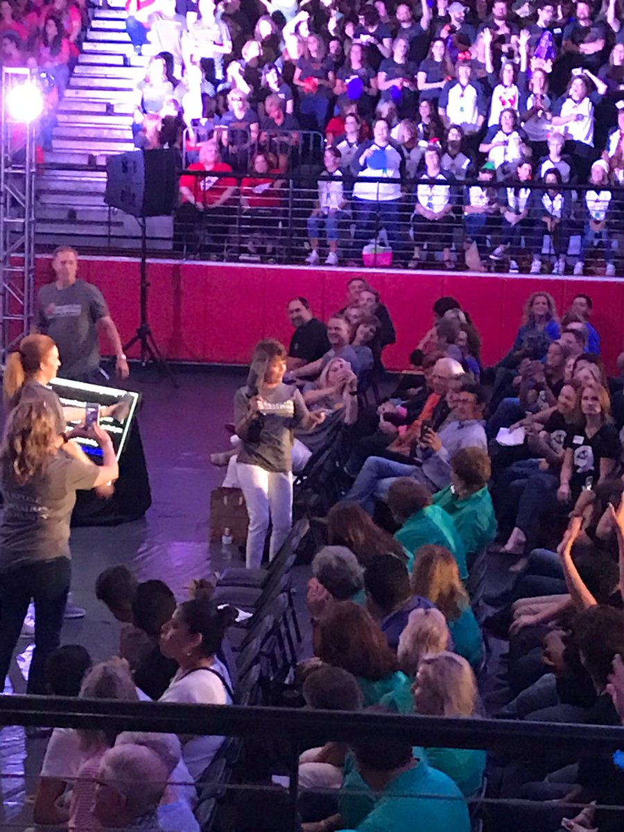 Board Prez Lisa Pardo rockin' the T-shirt Cannon! #WeAreGCISD #Back2GCISD<br>http://pic.twitter.com/P28T3KCJrD