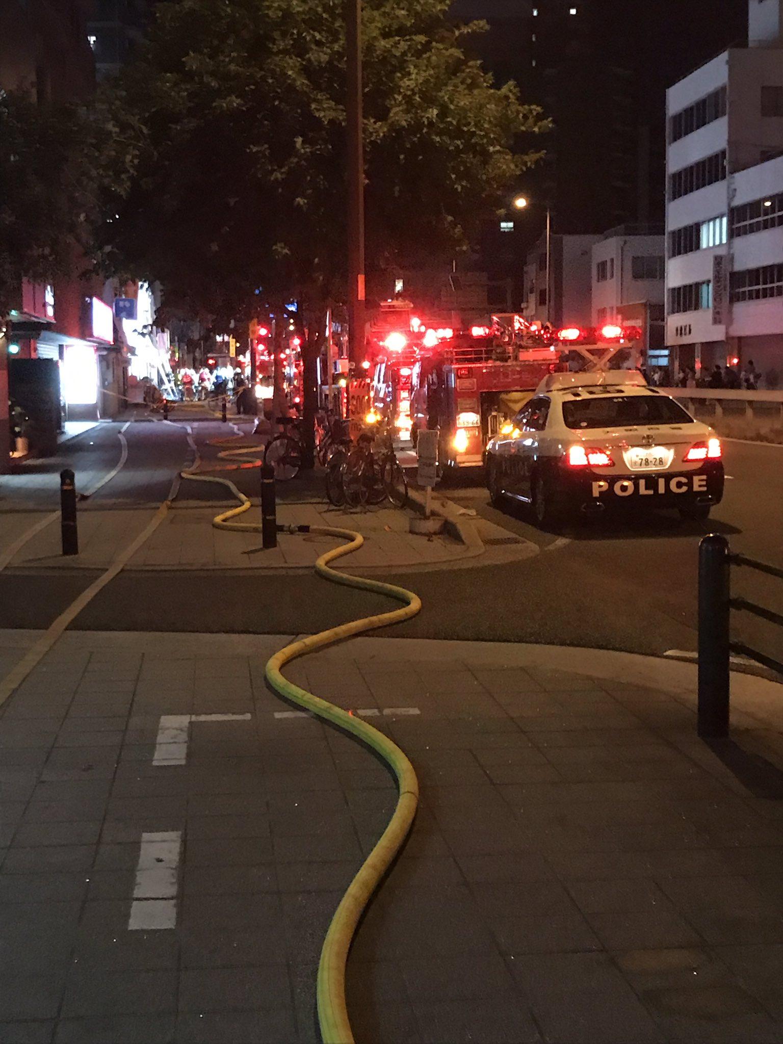 画像,大阪市福島区の野田阪神周辺で大火事ありました。被害者がいないようなので不幸中の幸いです。#火事 #大火事 #大阪市 #福島区 #不幸中の幸い https://t…