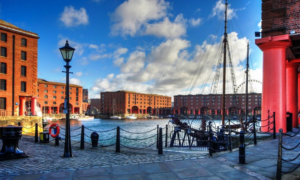 Absolutely honoured to have been included in @lonelyplanet 'Ultimate United Kingdom Travelist' 🗺 Handpicked by travel experts who were impressed with everything our #RoyalAlbertDock had to offer. I'm sure you'll agree this is a fantastic achievement for our amazing #City 👏🏼