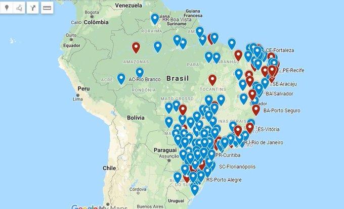 Mapa do Brasil com pontos vermelhos onde ocorreram os atos e pontos azuis onde estão previstos
