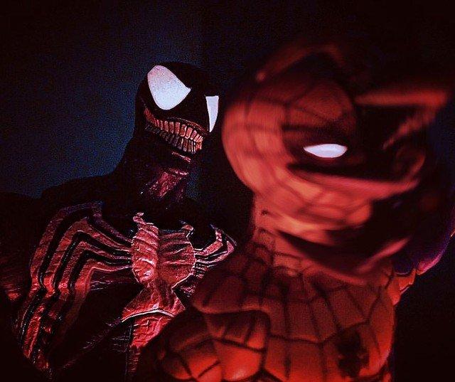 Reposting: @george.steven85  -  VENOM: I'll pop you like a zit!  #marvel #spiderman #venom #symbiote #comicbooks #fight #superhero #toysaremydrug #toystagram #toyartistry #epictoyart #actionfigures #toycollector #toycommunity #toyphotography #figmob #villain #rewindtoyphotography
