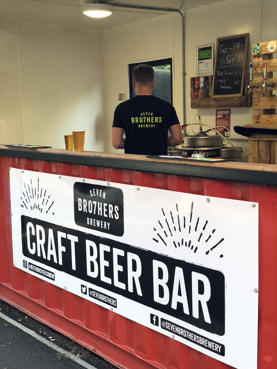 Match day @salfordcityfc v @leedsunited ⚽️ We are open and ready to pour our craft beers 🍻  See you in the #kbfanzone  #WeAreSalford #sevenbro7hers https://t.co/jnKumXvdOX