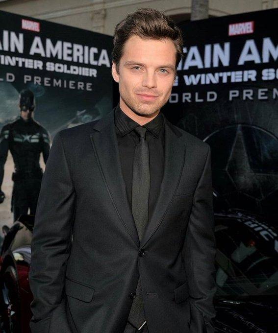 ótimo ator, carismático, lindo pra cacete, o homem perfeito.  happy bday sebastian stan