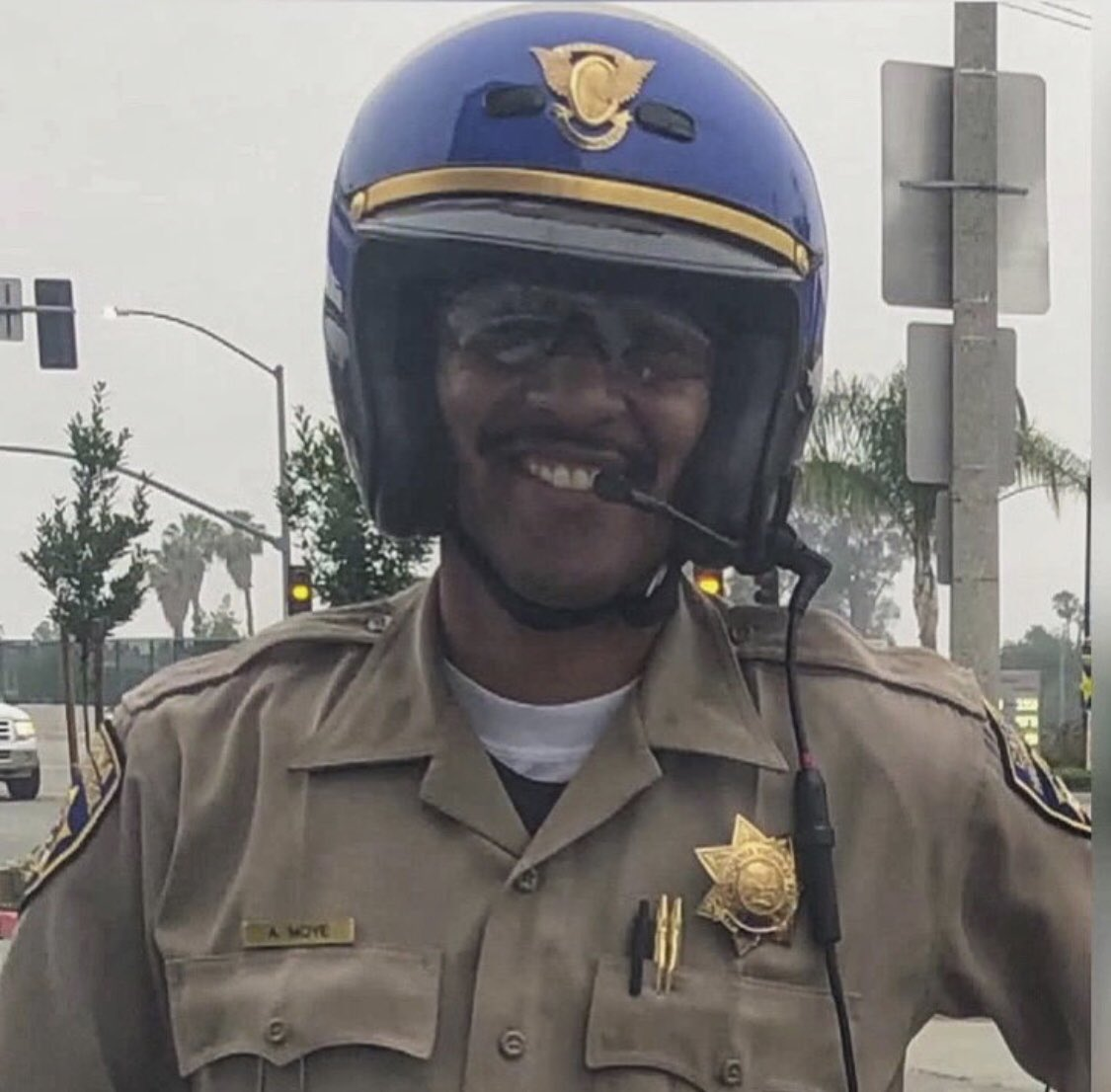 Yesterday we lost this brave man when a traffic stop turned into deadly gun battle in Riverside. Rest In Peace CHP officer Andre Moye Jr. #BlueLivesMatter