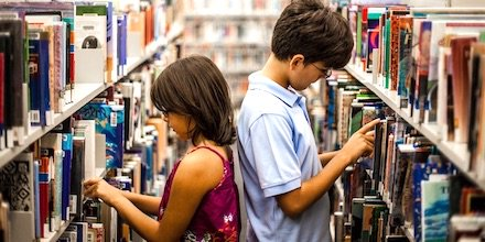 NEW: Let Students Read! Why Quantity Really Counts. @ritaplatt #elachat #reading #engchat @ncte @ILAToday #educoach #literacy #LeadLAP Principal Rita Platt shares what her school has done to completely close the reading gap. @regieroutman @RoutledgeEOE  https://www. middleweb.com/40836/let-stud ents-read-why-quantity-really-counts/  … <br>http://pic.twitter.com/CCgmIO24Un