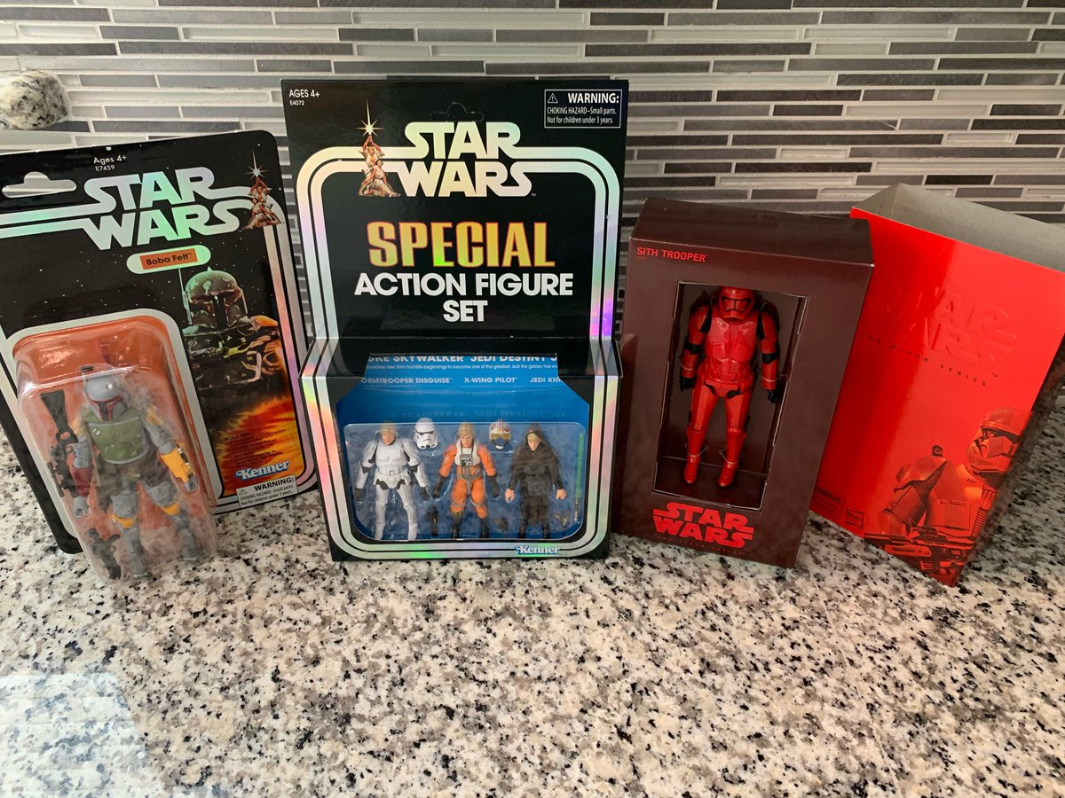 Thanks @hasbro for sending me these @starwars #SDCC2019 figures! #scratchthatfigureitch<br>http://pic.twitter.com/VQOHPRvB0g