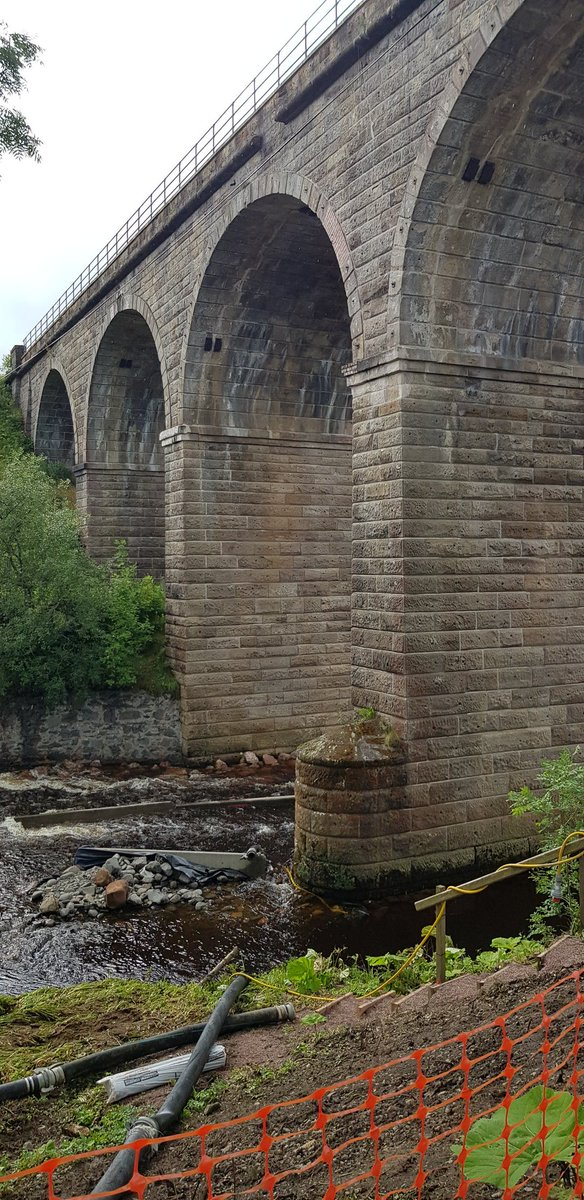 At the Crawick Viaduct in Scotland advising on installation of erosion protection to piers.  #scour #asphalt #railwaybridges https://t.co/dpQc3sdFc8