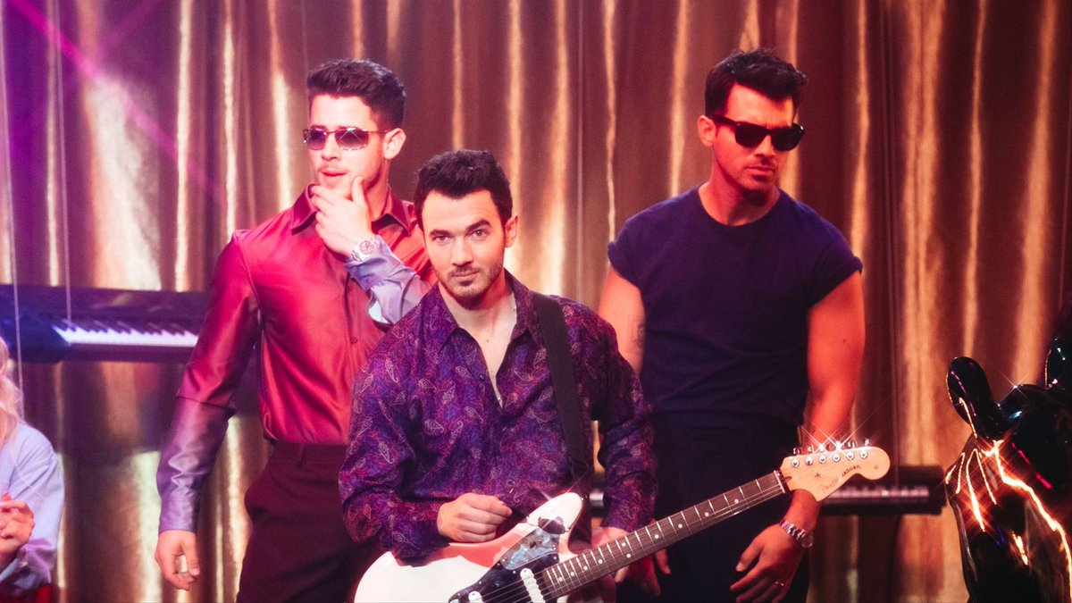 .@jonasbrothers gave us the '80s groove we NEEDED in #OnlyHumanVideo:  https:// on.mtv.com/2KxdS3g      <br>http://pic.twitter.com/6Zn6nkeWLb