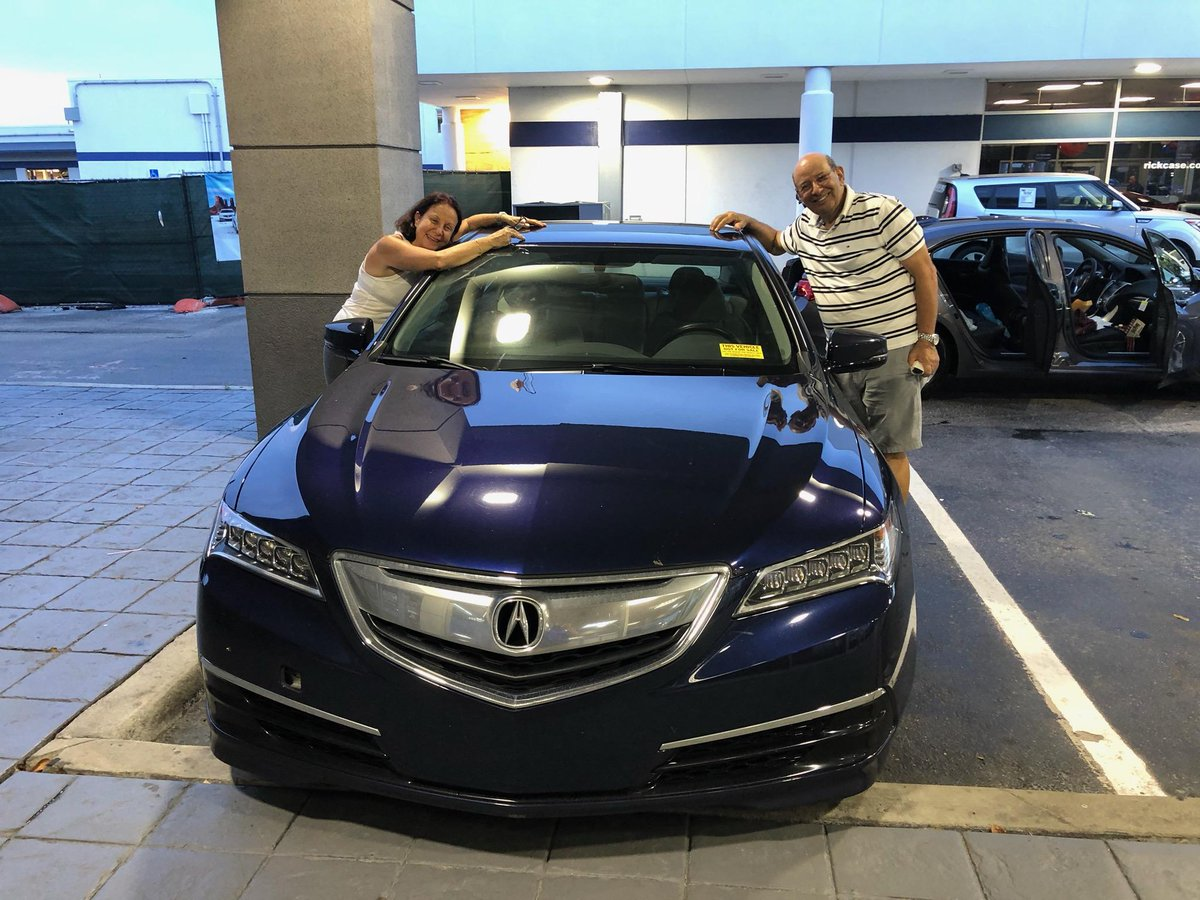 This happy couple just traded in their 2016 TLX for a NEW 2020 TLX!!! CONGRATULATIONS! You both look incredible in your new Acura luxury performance sedan. Enjoy! 🚗💨 HUGE thanks to salesman Yasser Fahmy. He assisted this couple from start to finish in a 100% hassle-free way!