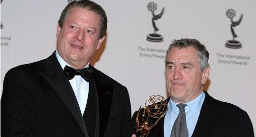 Robert DeNiro introduced Al Gore as the recipient of the  International Emmy Award.   Donald Trump is not pictured because he didn't win any awards. #EmmylessDonald <br>http://pic.twitter.com/CKKALmIUlk