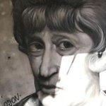Image for the Tweet beginning: Turisti e murales ai quartieri