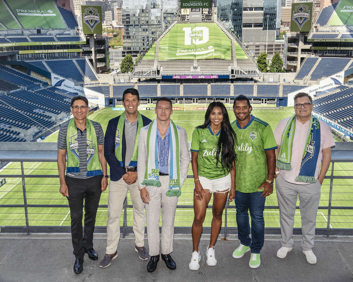 Super Bowl winner Russell Wilson, his Grammy award-winning singer and wife Ciara and rapper Macklemore have joined the ownership group of Major League Soccer side Seattle Sounders. More 👉http://bbc.in/2H4iXy0