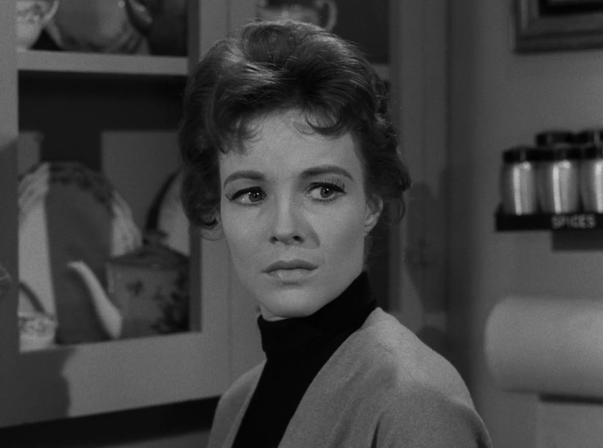 """The Twilight Zone on Twitter: """"Janice Rule, whose character in Twilight  Zone's """"Nightmare as a Child"""" had repressed memories of a murder, later  earned a Ph.D in psychoanalysis. #ZoneFacts #S1E29… https://t.co/sixLHOZWfv"""""""
