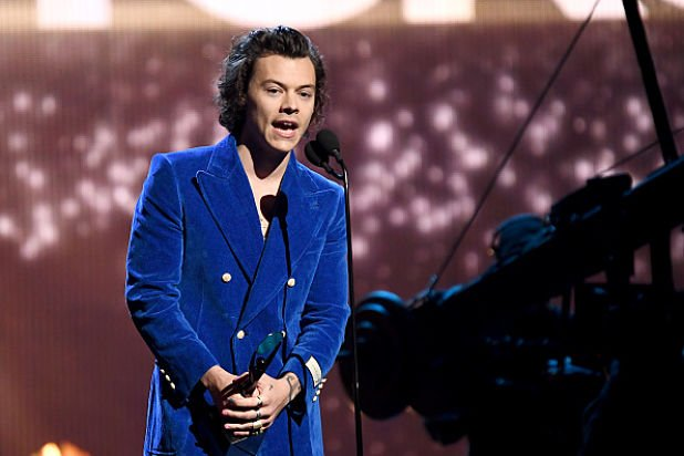 Harry Styles Turns Down Role of Prince Eric in Disney's 'Little Mermaid' (Exclusive) https://www.thewrap.com/harry-styles-little-mermaid-prince-eric/…