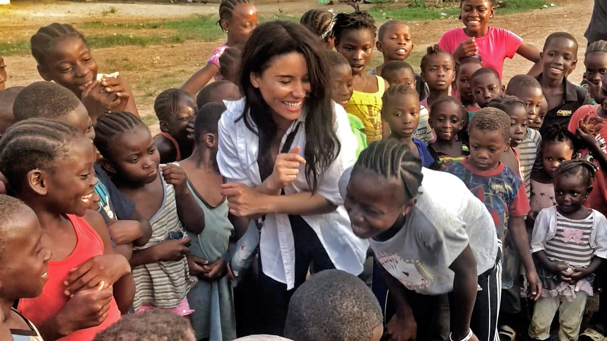 This is my favorite part... celebrating the construction of our new school in Liberia. #Happiness 🥰 We need help this month raising funds for uniforms, a new water well & supplies etc.. before we can open this fall. Time is sensitive. Join our efforts at kimberlymoorefoundation.org/donate