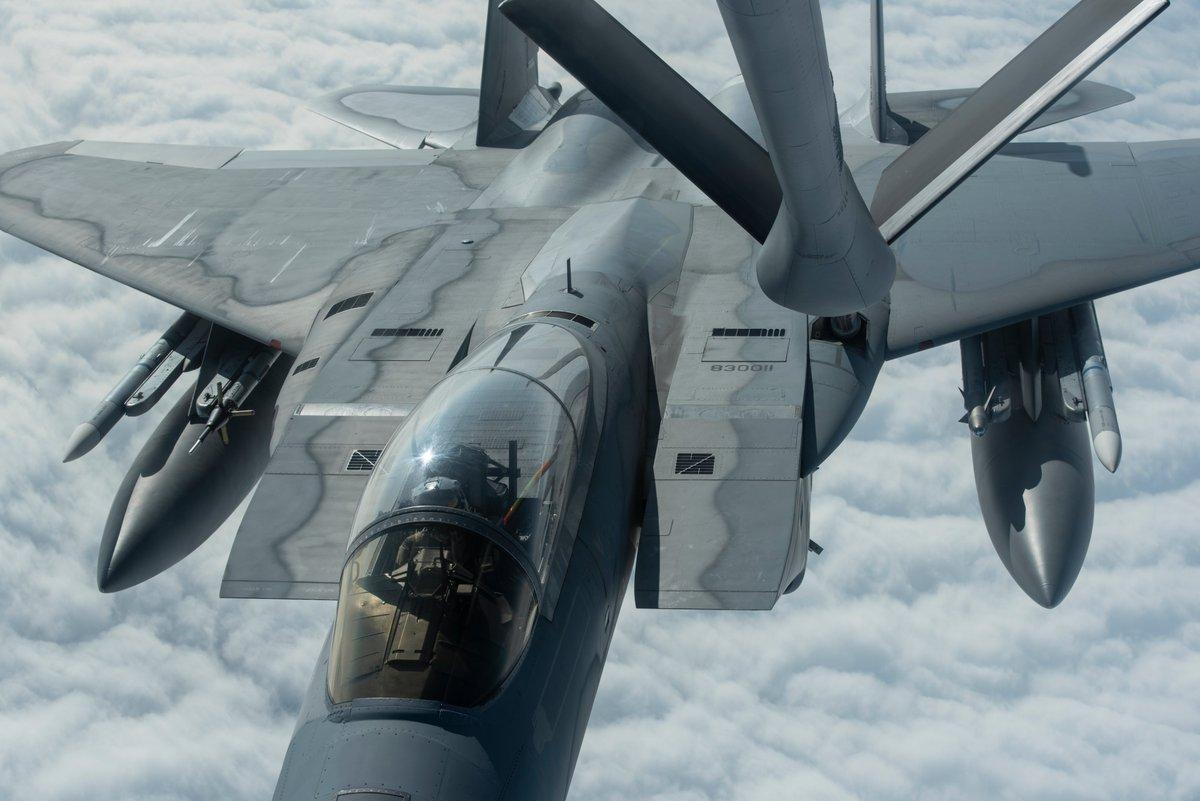 Risultato immagini per aerial refueling israeli f-15