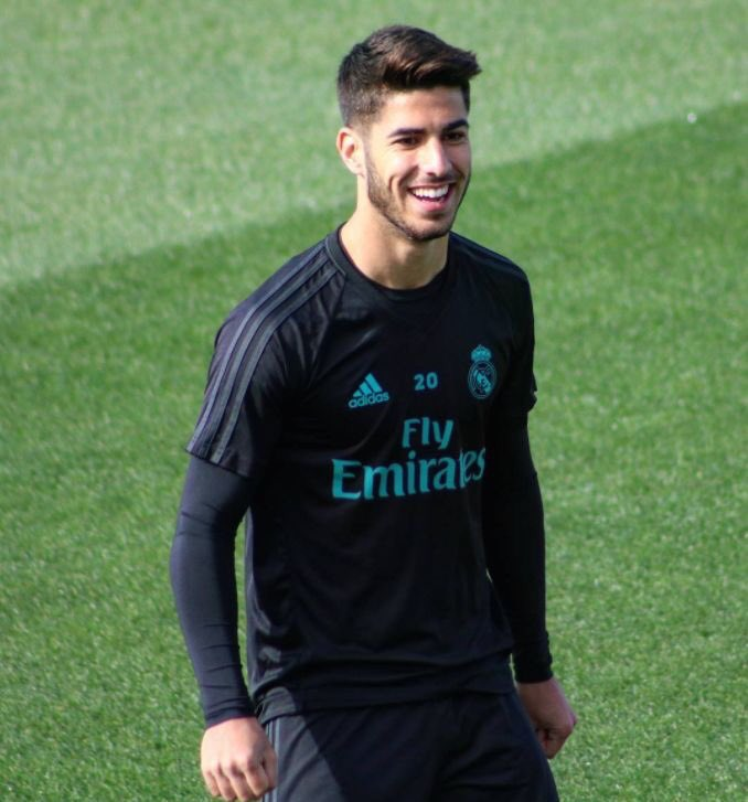 just want to see asensio back on the pitch <br>http://pic.twitter.com/k8nnvSgpxr
