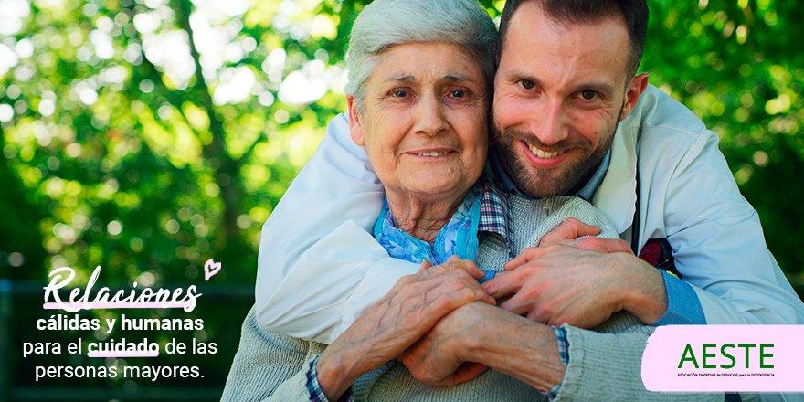 test Twitter Media - 👍El papel de los gerocultores es imprescindible a la hora de entablar relaciones cálidas y humanas con las #PersonasMayores a las que cuidan. 🙌¡Gracias por vuestro cariño! https://t.co/PDsfVDALfu https://t.co/0bk4WN2wxx