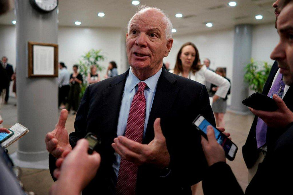 U.S. senator warns China on Hong Kong trade status if it intervenes in protests https://reut.rs/2z2S34V