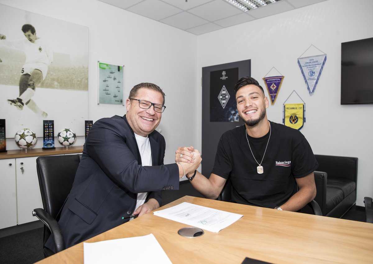BREAKING! Borussia Mönchengladbach complete the signing of Ramy Bensebaini from Stade Rennes.  The left-back was part of Algeria's #AFCON2019 winning side.   @borussia<br>http://pic.twitter.com/PwMMGcyYLy
