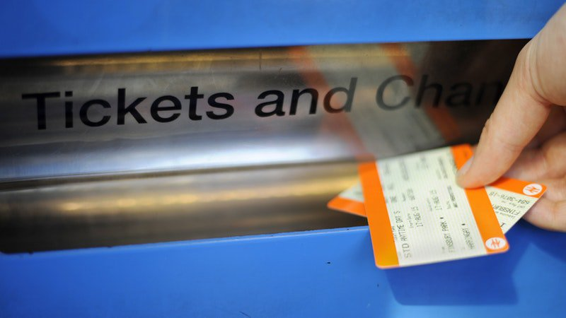 Rail commuters face an increase in season ticket costs next year of almost 3% from January itv.com/news/2019-08-1…