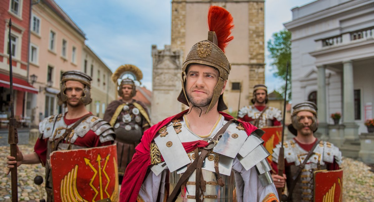 Two thousand-year old Roman stories from the greatest period of Slovenia's oldest city will be brought back to life in #Ptuj.⏰ August 15 in Town Square👉https://ter.li/x87rj5 #ifeelslovenia #itsculturetime #romangames #gladiators