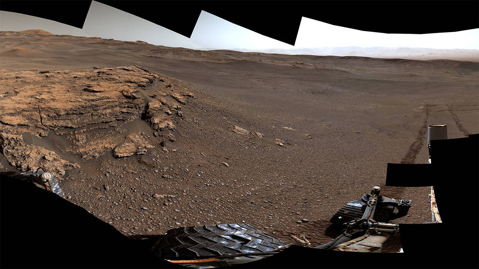 #NASA Curiosity rover has come a long way since touching down on Mars seven years ago. It has traveled a total of 13 miles and ascended 1,207 feet to its current location. go.nasa.gov/2GTwurW #EPDC