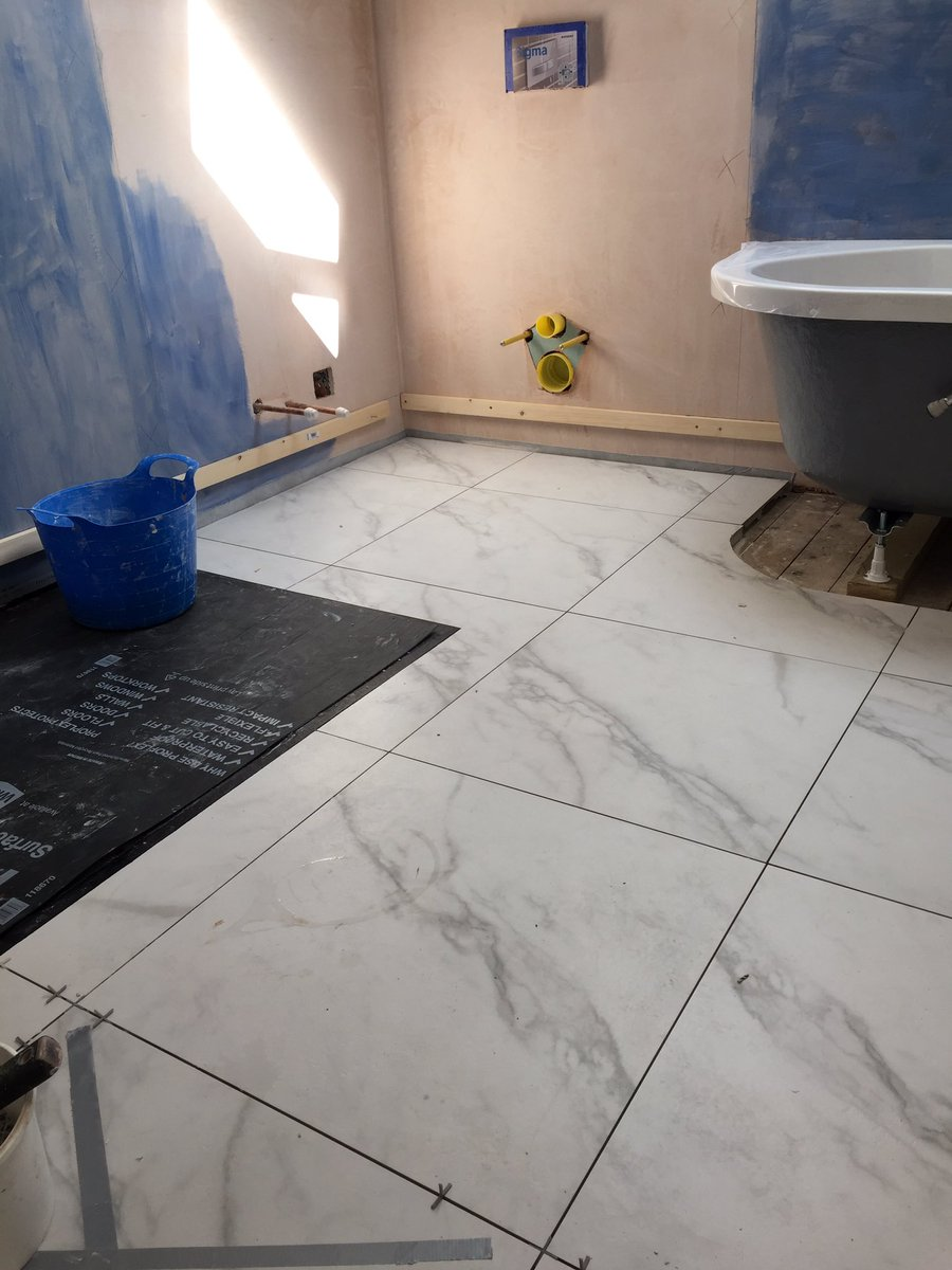 Paul Stanley On Twitter Floor Tiles Down Keraben Kingston White Mat Finish 600 X 600 Mapei 111 Silver Grey Grout Jtjusttrays Softstone Tray Fitted Ready To Silicone Tray Https T Co 5lcmx3zeqq