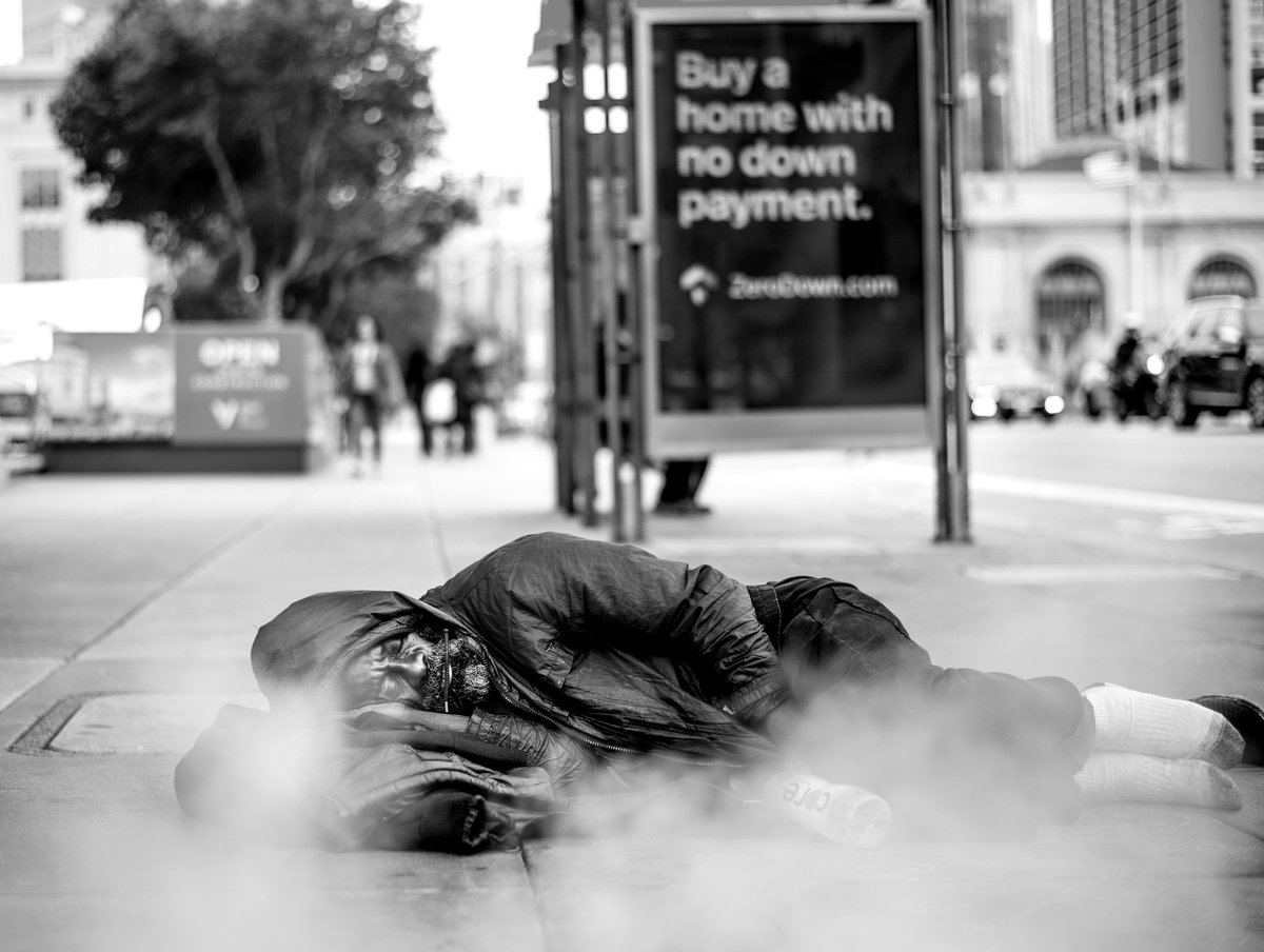 A third of the Chronicles newsroom hit the streets to report on 24 hours in the lives of San Franciscos homeless residents. How did they do it? Find out in our Backstory interview with EIC @audreycoopersf: bit.ly/31NyTwD