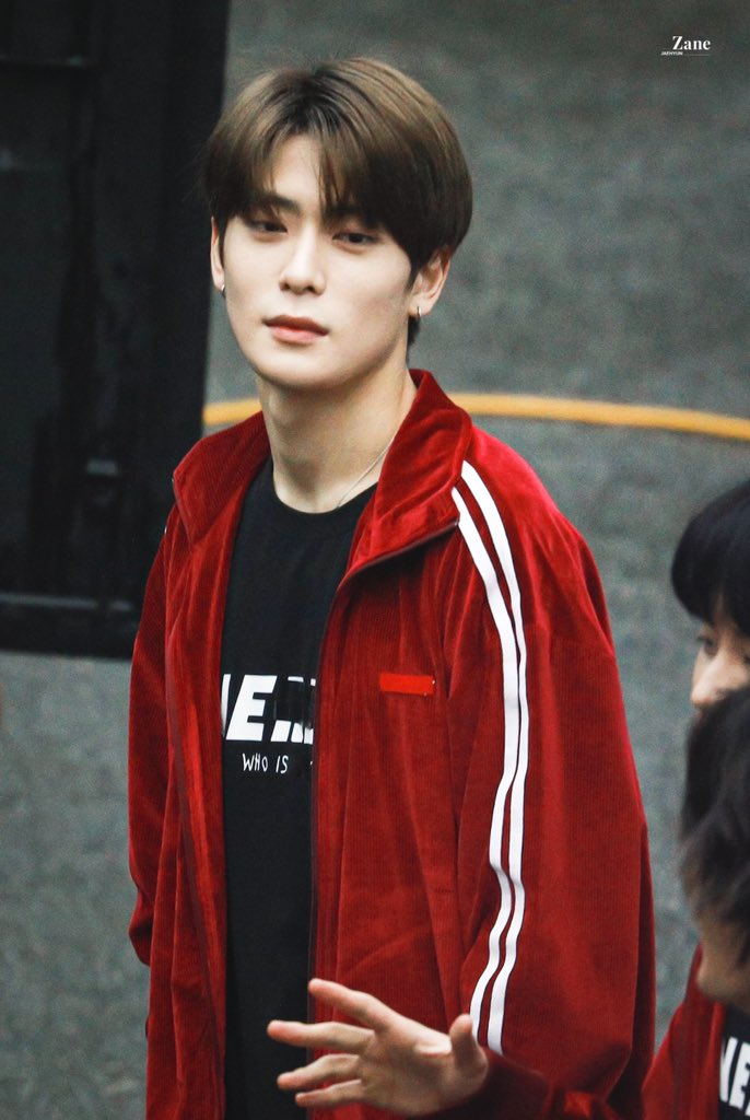 I know I can't keep chasing after you And babe if that's the case, just know that I love you.   #JAEHYUN #재현 #NCT #NCT127 <br>http://pic.twitter.com/qQ11s8Oh7B