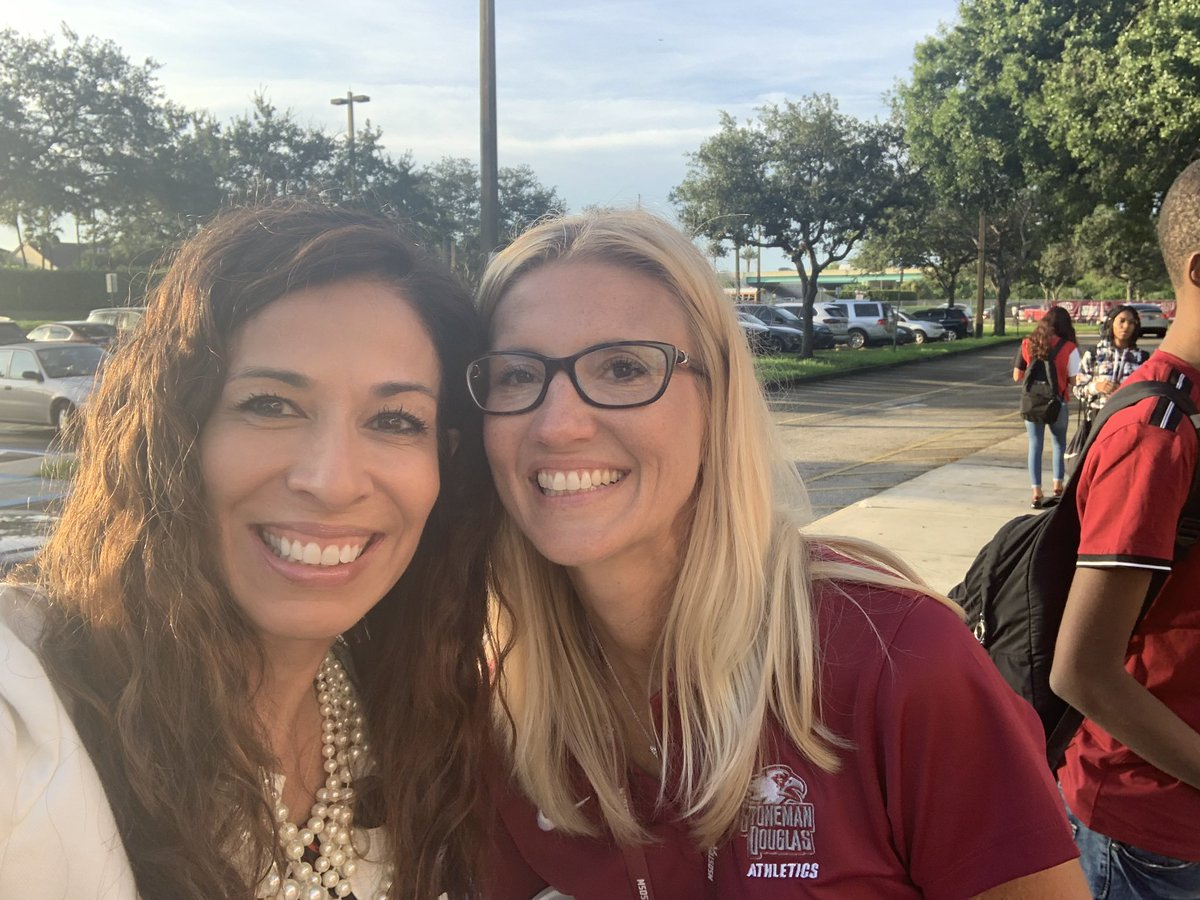 First day around the BCPS...Students at MSD looking good!  Principal Kefford and the team are ready to welcome back students! @BCPSChiefOSPA @RobertwRuncie @MSDHighSchool<br>http://pic.twitter.com/iY4Ouzj42h