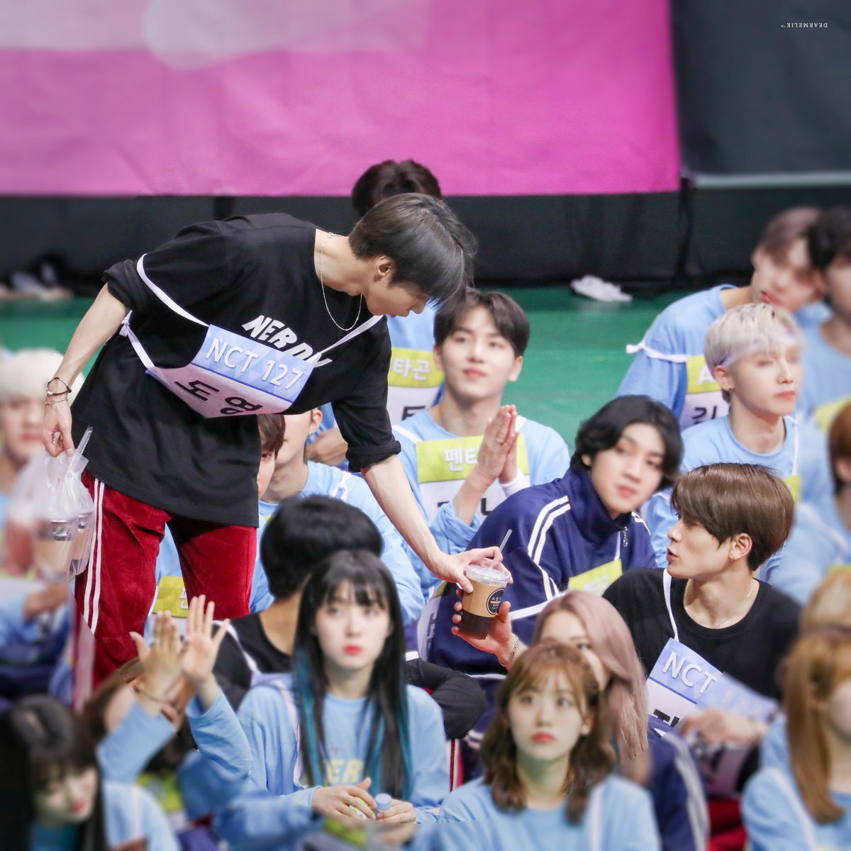 커피소년을 위한 블러노동... #도영 #DOYOUNG #재현 #JAEHYUN