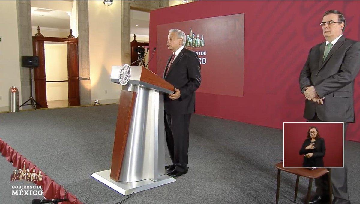 López Obrador reitera promesa de no aumentar impuestos ni generar nuevos, así como no habrá 'gasolinazos', ni aumentará la deuda pública el próximo año. EN VIVO: http://bit.ly/2MYbrZj
