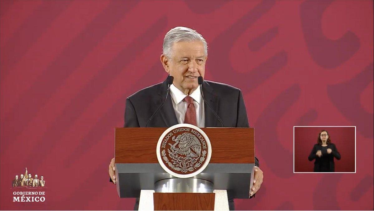 """Confirma López Obrador que su Primer Informe de Gobierno sí se realizará el domingo 1 de septiembre en Palacio Nacional. """"Se va a transmitir, pero no en cadena nacional. Eso ya quedó en el antiguo régimen"""" EN VIVO: http://bit.ly/2MYbrZj"""