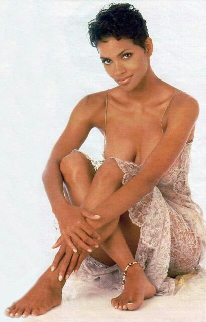 Happy Birthday to Her Majesty, Halle Berry, born August 14th, 1966, in Cleveland, Ohio.