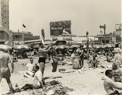 Beach at Illinois Avenue Circa 1947 #WaybackWednesday #AtlanticCity #beach #sand #beachlife<br>http://pic.twitter.com/HWXawl3mdR