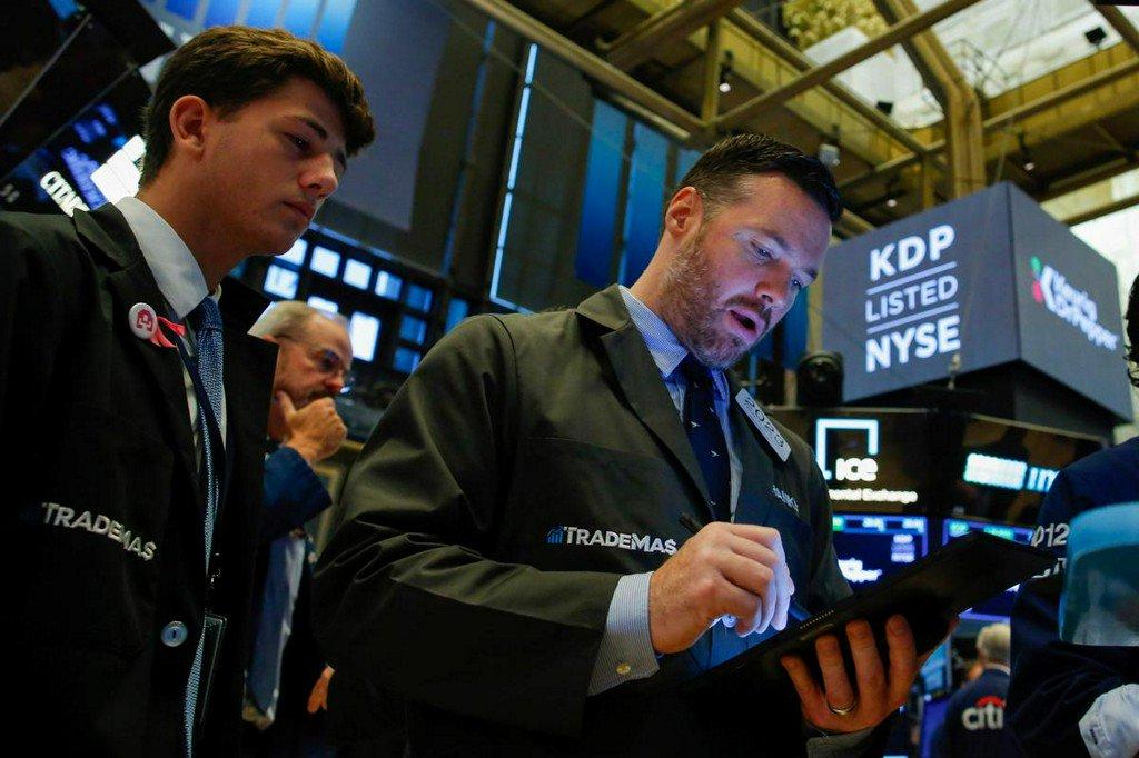 Recession fears hit Wall Street after grim China, German data https://www.reuters.com/article/us-usa-stocks-idUSKCN1V4172?utm_campaign=trueAnthem%3A+Trending+Content&utm_content=5d540e30a341320001ab020b&utm_medium=trueAnthem&utm_source=twitter…