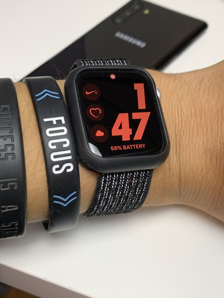 58% at 1PM, still waiting for Apple watches to get week long battery life if ever #applewatch #AppleWatchSeries4 #apple<br>http://pic.twitter.com/KVcmQYoVQb