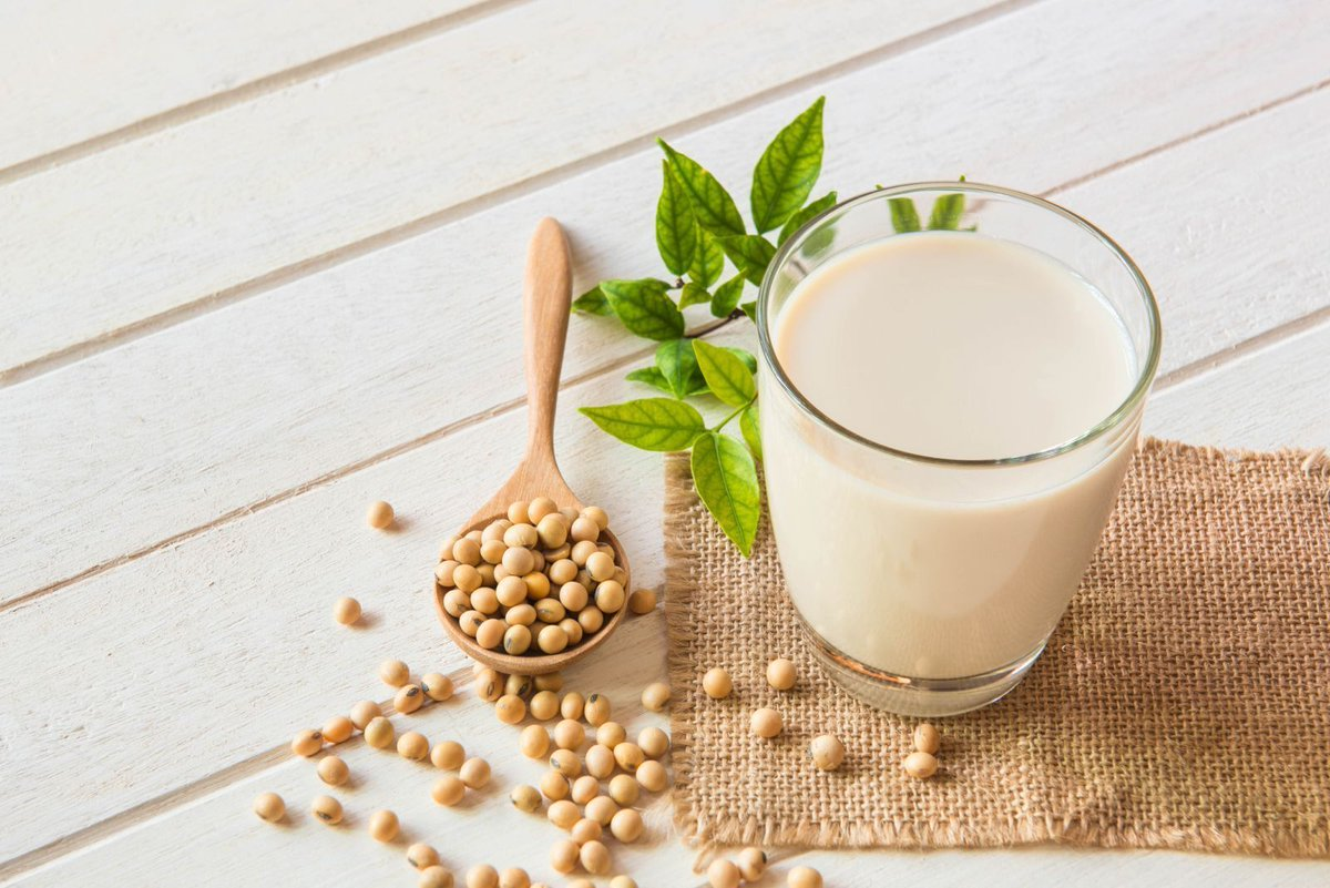 Soy protein helps lower bad cholesterol a small but important amount.  http:// bit.ly/2MdOzW0       #HarvardHealth #HeartHealth <br>http://pic.twitter.com/sQl1m2TnH2