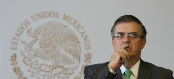 Autoridades mexicanas irán a El Paso para definir acciones por tiroteo http://ow.ly/BdAk30plPda