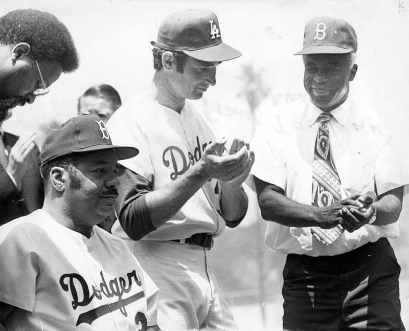 June 5th, 1972 - #Dodgers icons Roy Campanella, Sandy Koufax, and Jackie Robinson <br>http://pic.twitter.com/Hbwyyyp2Qj
