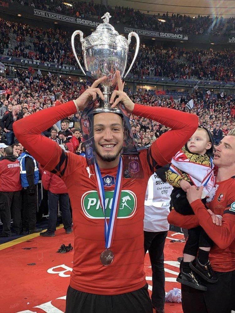 It's been a busy few months for Algeria international Ramy Bensebaini:  April 27: Won the Coupe de France with Rennes  July 19: Won the #AFCON2019  with Algeria  August 14: Joined Borussia Mönchengladbach  <br>http://pic.twitter.com/C6jV8hpyW5
