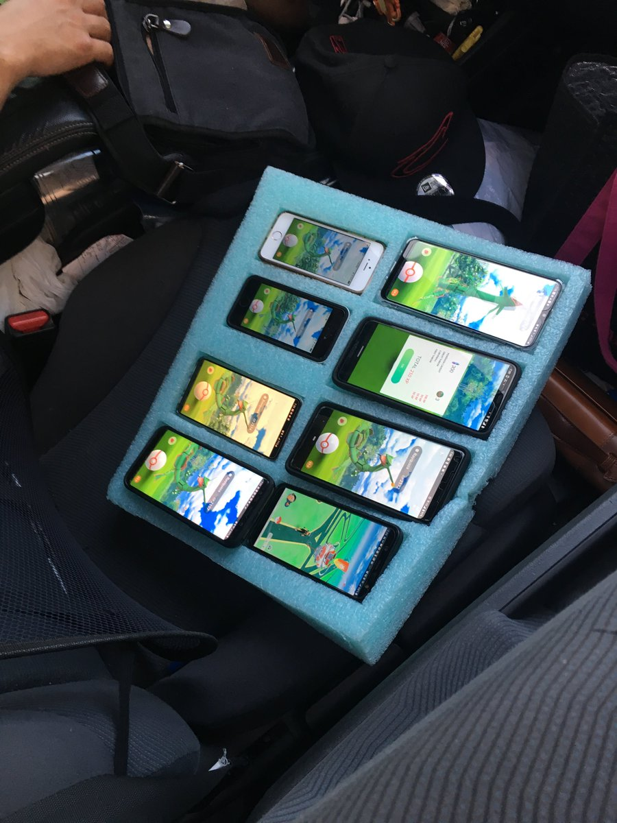 Trooper finds driver playing Pokemon Go on eight phones