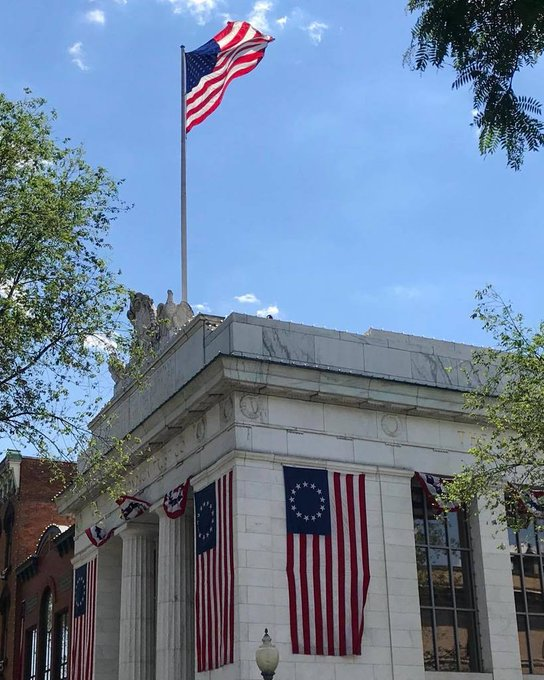 @SaratogaSprings,NY how about this US Flag display. Big #5 x 8' #BetsyRoss and #USFlags surround this Title and Trust Building. God less America! https://t.co/JkSHn0pub7 https://t.co/1kAjzOSWkY