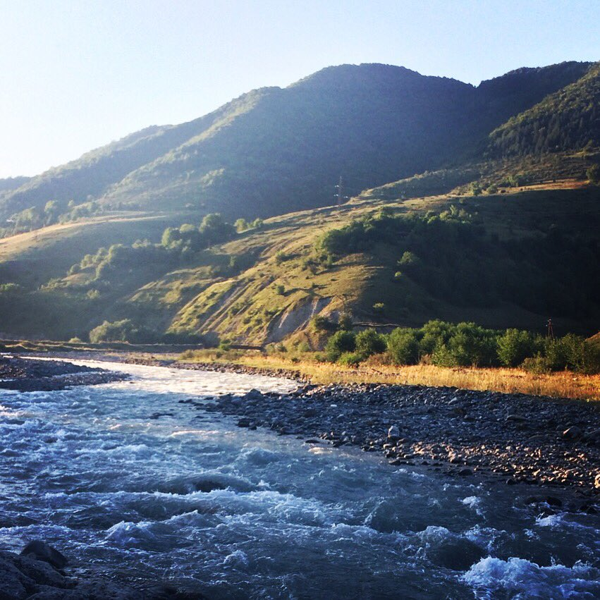 #summer #mountains #georgianmountains #trip #river #riveraragvi #mtiuleti #fasanauri #nagvarevi #kazbegi #stepantsminda #georgiapic.twitter.com/jHzXZV9kNG