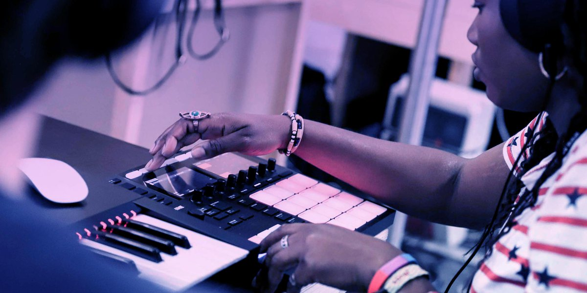 Aged 13-25 and want to learn how you can make afrobeats or drill? Brush up on your music production skills at a free workshop, taking place this summer. Tickets:  http:// bit.ly/BDCWorkshops    <br>http://pic.twitter.com/jHrbuJR8th