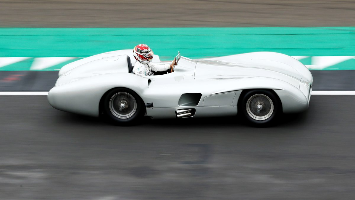 From one five-time @F1 champion to another. @LewisHamilton jumps behind the wheel of the great Juan Manuel Fangio's stunning @MercedesBenz W196 Streamliner! 😍😍😍  📹 x @SkySportsF1
