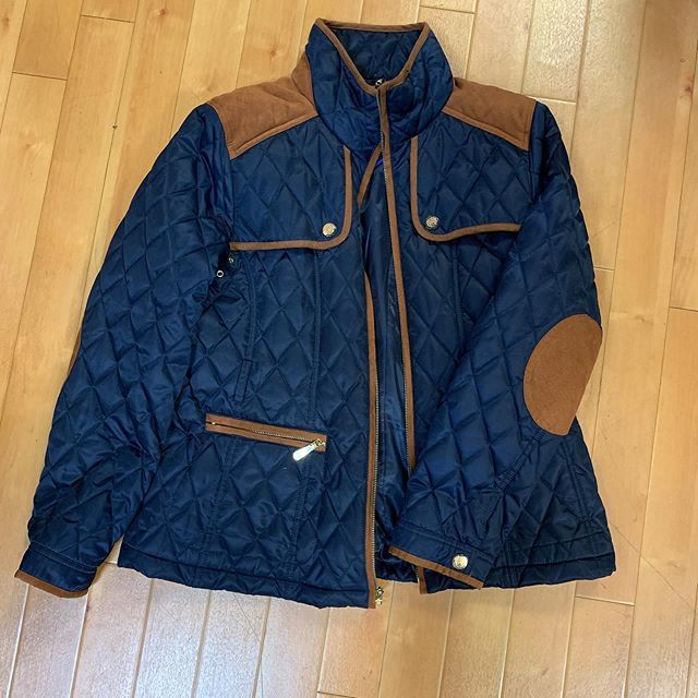 #fallforward #casualandcute  New arrival!! Vince Camuto jacket (good for rainy days to come!) just $28! Size L  To purchase give us a call at 610-455-1500, send us a DM of this post with your PayPal email or stop in store before 9pm  Have designer … https://ift.tt/2MYVa6ppic.twitter.com/UYyxtxQ4Ke