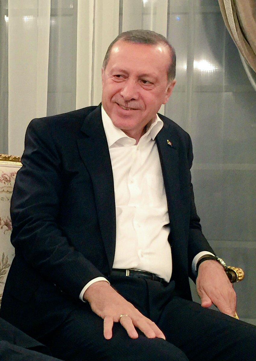 Dirayet, muhabbet, millete hizmet... #AKParti18Yasında #TurkiyeAKPartiIleSahlanıyor